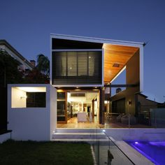 """Residential Architecture: Browne Street House by Shaun Lockyer Architects: """".The Browne Street House is a reinterpretation of the Queenslander cottage. Architecture Résidentielle, Australian Architecture, Contemporary Architecture, Contemporary Homes, Rustic Contemporary, Modern Homes, Style At Home, Street House, Town House"""