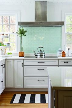 Mint condition kitchen from Living For Pretty!