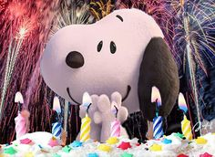 Happy Birthday Snoopy Happy Birthday Snoopy Images, Snoopy Birthday, Happy Birthday Wishes, Birthday Greetings, Snoopy Love, Snoopy And Woodstock, Peanuts Cartoon, Peanuts Snoopy, Snoopy Pictures