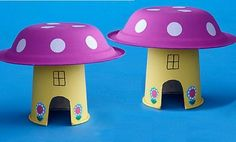 Las casitas de los duendes. A veces los juguetes más sencillos son los que más atraen a los niños. Para formar estas casitas necesitaremos un vaso de papel preferiblemente de un color claro, también podría hacerse con un vaso de plástico, colores o témperas, gomets blancos y pegamento. Lo mejor es que se realizan con materiales reciclados.