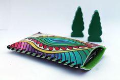 hand painted leather mobile case.  Feather Handytasche aus Leder nach Maß handbemalt von Anarkali auf DaWanda.com