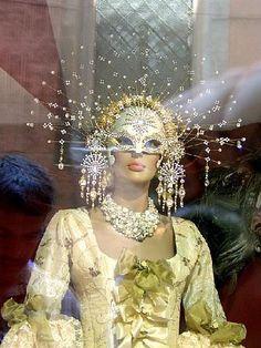 Image Detail for – Beautiful mask in Venice – Venice – Windley Hagood – beauty Venetian Carnival Masks, Carnival Of Venice, Venetian Masquerade, Venetian Costumes, Masquerade Costumes, Masquerade Party, Carnival Costumes, Mardi Gras, Costume Venitien