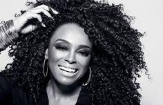Para os próximos meses, ela pretende resgatar sua essência – a mistura samba soul – lançando um novo álbum e apresentando shows pelo mundo afora.