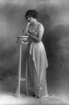 Marie Doro | Marie Doro by Bassano, 1913 | Tumblr http://www.pinterest.com/uniquepainter/vintage-beauty/
