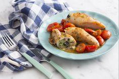 I calamari ripieni all'amalfitana sono semplici da realizzare, un'idea davvero stuziccante per preparare un secondo piatto che conquisterà tutti! Calamari, Couscous, Amalfi, Italian Recipes, Seafood, Sausage, Favorite Recipes, Fish, Chicken