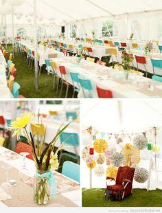 Decoración moderna y colorida de boda en jardín