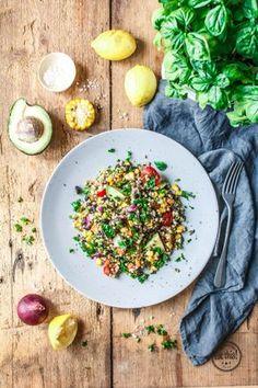 Buchweizen-Sommersalat mit Mais, Avocado & frischen Kräutern