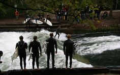 Surfing w centrum Monachium. Have FUN ! / Surfing in a center of Munich. Have FUN !