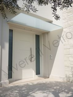 & & & & Shelter-in frosted glass to protect the entrance of the house: houses in the style of living, the glass, minimalist glass House Entrance, Entrance Doors, Gate Design, Door Design, Door Canopy Porch, Contemporary Front Doors, Magic House, Glass Door, Pergola