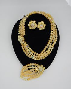 vintage 60s yellow glazed ceramic and pearl necklace totally mod handmade one of a kind big center disc