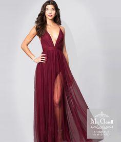 Aquele dress super desejo ❤️ marsala com decote profundo e fenda. • Vestido manequim 38/40 • Atendimento com hora marcada. Para agendamento: 41 3538 4777 ou 99151 4777