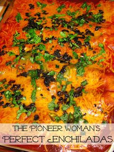 Woman's Perfect Enchiladas Perfect Enchiladas - a recipe adapted from The Pioneer Woman!Perfect Enchiladas - a recipe adapted from The Pioneer Woman! Pioneer Woman Enchiladas, Cheese Enchilada Recipe Pioneer Woman, Authentic Enchilada Recipe, Guacamole Recipe Pioneer Woman, Taco Seasoning Recipe Pioneer Woman, Enchiladas Mexicanas, Gnocchi Vegan, Ground Beef Enchiladas, Beef Enchiladas Corn Tortillas