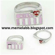 Kissme www.memelabb.blogspot.com