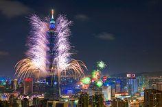 Taipei 101 Fireworks 台北101煙火 by olvwu | 莫方, via Flickr
