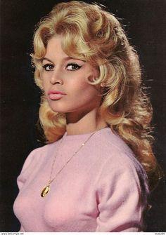 Un jour un destin - Brigitte Bardot C16447f3ffabbd2f97c282d420a886c5