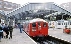 The occasion of an open day at London Underground's depot at Morden on 3 November 1990, saw the use of the remaining four-car set of 1938 stock on a special service.