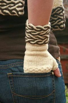 You have to see Dual Cable Fingerless Gloves on Craftsy! - Looking for knitting project inspiration? Check out Dual Cable Fingerless Gloves by member Marly Bird. Crochet Mitts, Gilet Crochet, Crochet Gloves, Fingerless Gloves Knitted, Knit Mittens, Hand Knitting, Knitting Patterns, Wrist Warmers, How To Purl Knit