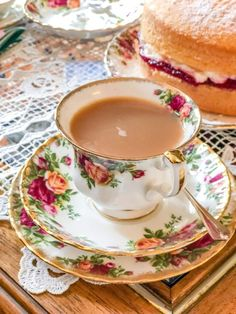 An Afternoon Tea Cooking Class in London - read about my experience making tea with a chef in her home in St. John's Wood