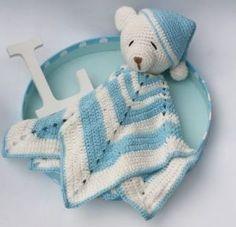 Para o bebê se sentir seguro no berço durante as breves ausências da mamãe, as lindas e companheiras naninhas são sensacionais! De paninhos, cobertores, bichinhos de pelúcia e até brinquedos, este importante objeto de transição é o fiel amiguinho que acompanhará o bebê boa parte da infância auxiliando nos momentos difíceis, principalmente, durante o sono. Para ajudar na escolha do amiguinho perfeito para seu bebê, dedicamos um post inteirinho com as mais lindas e fofas inspirações de…