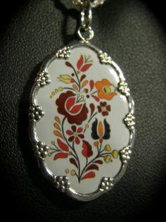 MAGYAROS kerámia medál, ezüst keretben, ovál Pocket Watch, Watches, Accessories, Fashion, Jewels, Moda, Wristwatches, Fashion Styles, Clocks