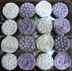 Purple cupcakes by susanne