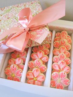 ♔ Cookies in a box tied with a lovely bow