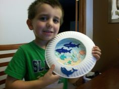 Paper Plate Crafts - Aquarium - Maybe you do something like this with the planets for science :-)