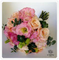 lisianthus y rosas....