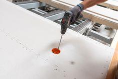 Auf unseren modernen Produktionsanlagen sitzt jeder Handgriff perfekt. Montage, Modern, Carpentry, Trendy Tree