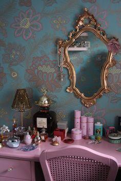 dresser set up - love this mirror!