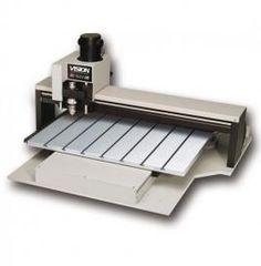 #pantografo CNC1624 Engraver 406x610 de Vision. De gran robustez con mesa de aluminio T-Slot. Graba materiales como #metal, #acrilico, #laton, #madera, #plastico, #herramientas, #rotulacion #braille, etc.
