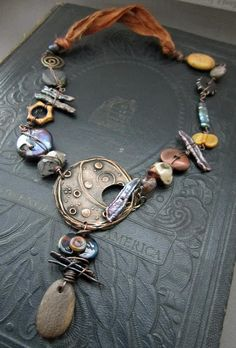 Great Blog Post on making toggles.  My Art Jewelry