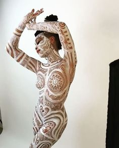 Beautiful art by Laolu. Body Painting Pictures, How To Make Lemonade, Photo Sculpture, Sexy Poses, Skin Art, Woman Painting, Light Art, Tribal Tattoos, Art Girl