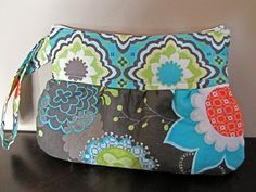 DIY tutorial - scrap fabric clutch via fromanigloo.blogspot.com