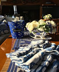 Blue and white garde