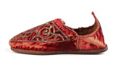 Lady´s Home Leather Shoes, with Velvet  Gold Thread Embroidered upper, and Crushed Back- Early 20th century- Morocco