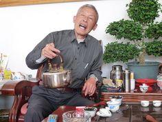 Dégustation de Wulong de théiers uniques  Single tree tea tasting by Camellia-Sinensis, via Flickr