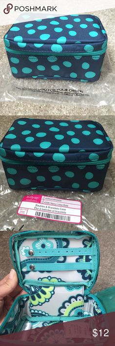 Thirty-One Baubles & Bracelets Jewelry Case Brand New Thirty-One Baubles & Bracelets Jewelry Case--Navy Lotsa Dots Thirty-One Bags Travel Bags