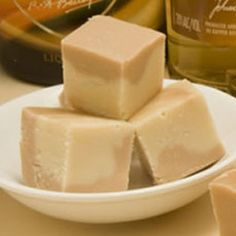 Bailey's Irish Cream Fudge-Very smooth and silky fudge. I like to make this recipe and my other Bailey's Irish Cream fudge and give as gifts because they are both wonderful flavors. All my friends love love love this fudge! Candy Recipes, Sweet Recipes, Dessert Recipes, Mini Desserts, Just Desserts, Asian Desserts, Baileys Fudge, Baileys Tiramisu, Cream And Fudge