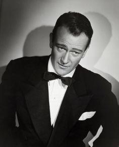John Wayne- that look! One and only John Wayne attitude! If looks could kill? Classic Movie Stars, Classic Movies, Hollywood Stars, Hollywood Icons, Elvis Presley, Johny Depp, Actrices Hollywood, Hommes Sexy, Celebs