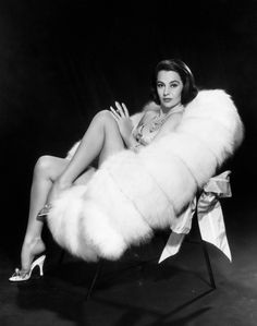 Cyd Charisse - What a picture...what a beauty...what a DANCER!