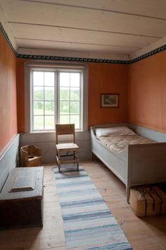 link to gallery Bed Design, House Design, Bedsit, Swedish Cottage, Sweden House, Swedish Interiors, Interior And Exterior, Interior Design, Colorista