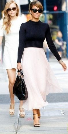 Jessica Alba's Chic Street Style - September 2013 fromYou can find Jessica alba and more on our website.Jessica Alba's Chic Street Style - September 2013 from Fashion Mode, Fashion Week, Look Fashion, Fashion Beauty, Autumn Fashion, Fashion Fail, Spring Fashion, High Fashion, Street Style Jessica Alba