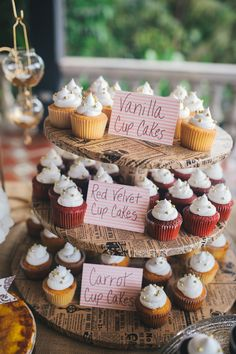 cupcake display // photo by Rebekah J Murray // http://ruffledblog.com/elegant-puerto-rican-wedding