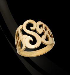Lucky Signet Monogram Ring// The Monogram Merchant #jewelry #monogram