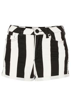 Stripe monochrome hot pants