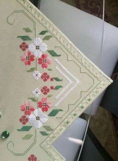 Vintage handmade green f Hardanger Embroidery, Cross Stitch Embroidery, Hand Embroidery, Cross Stitch Patterns, Machine Embroidery Patterns, Embroidery Designs, Book Crafts, Needle And Thread, Cross Stitching