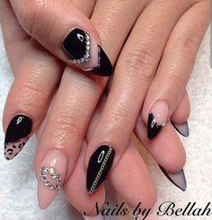 Black & nude nails