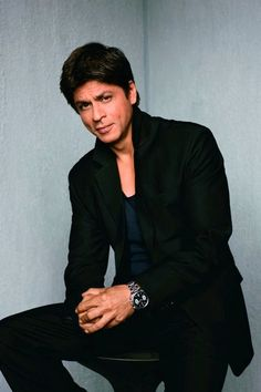 Not gonna lie Shahrukh Khan has some hotness.  One look into his eyes and you're gone. #richest #actors #bollywood
