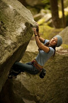 The third edition of Squamish Bouldering features over problems and is packed full of color maps and photographs. This book documents the best bouldering in Squamish, Whistler and Pemberton. Climbing Girl, Sport Climbing, Ice Climbing, Boulder Climbing, Climbing Holds, Mountain Biking, Mountain Climbing, Trekking, Rappelling